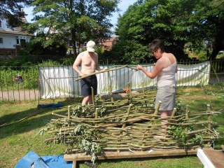 making-willow-hurdles