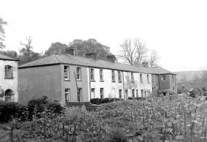 43-old-canal-houses-at-rear-were-stables